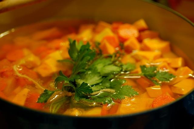 potimarron-soup-in-pot