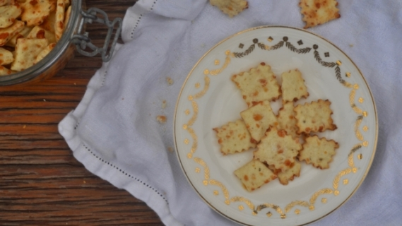 Parmesan + Black Pepper Crackers